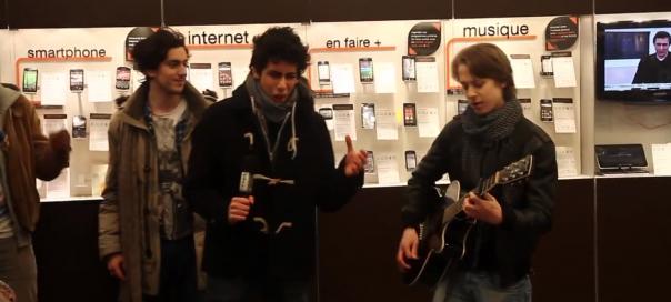 Free Mobile : Chanson «On vous quitte pour Free» en boutique Orange