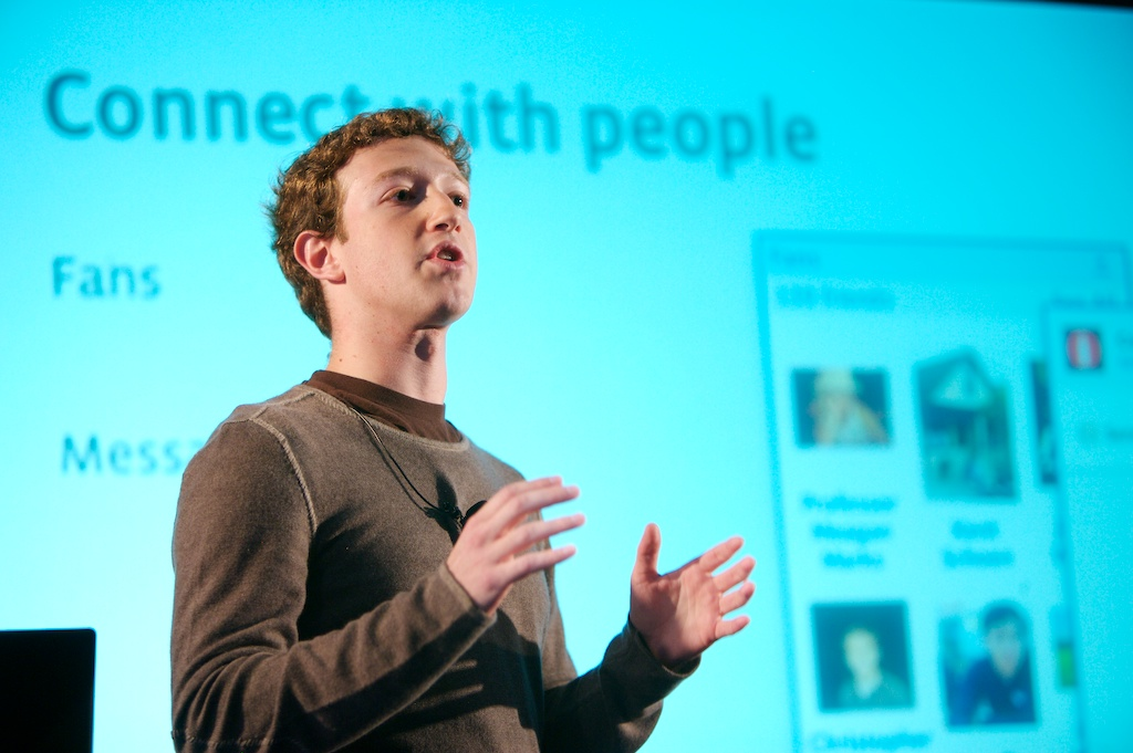 Hacking des comptes Twitter, Pinterest et LinkedIn de Mark ...