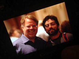 Sergey Brin aperçue avec les lunettes Google