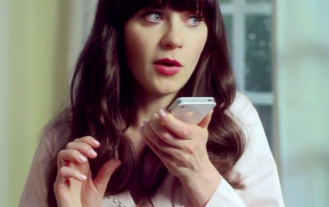 Publicité iphone 4S : Zooey Deschannel
