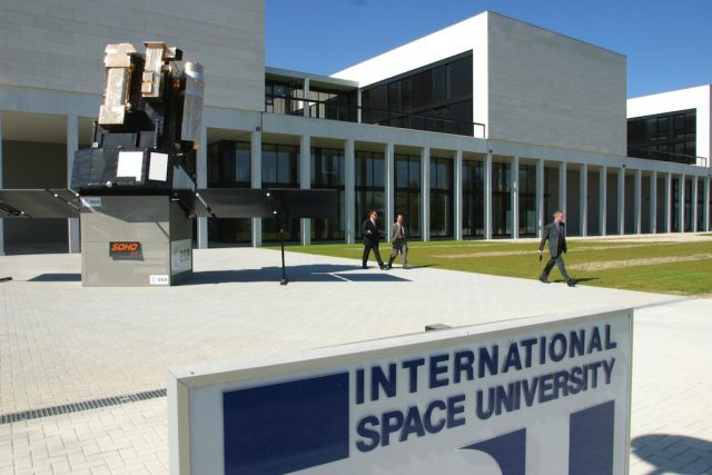 ISU - International Space University