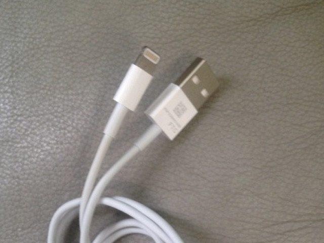 iPhone 5 : Câble de synchronisation