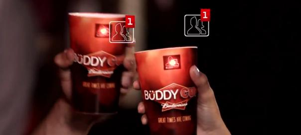 Facebook : Le verre social par Budweiser, santé !