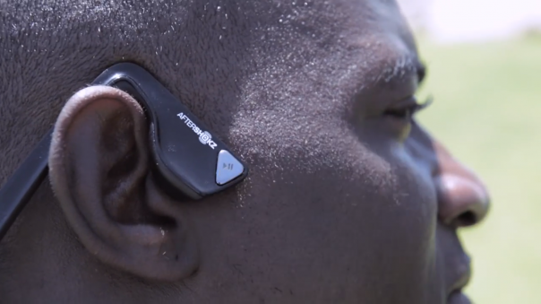 AfterShokz Bluez : Boutons Play et Pause