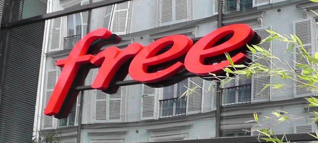 Logo Free Center