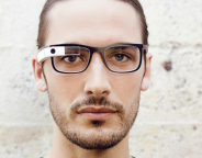 Google Glass : Une V2 des lunettes connectées avec Luxottica
