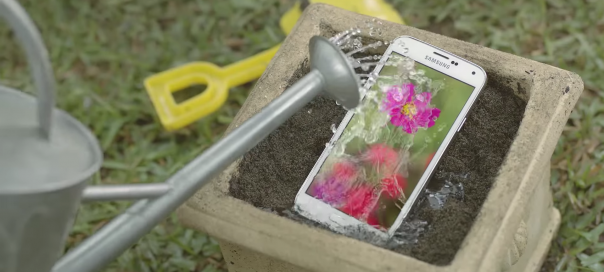 Samsung Galaxy S5 : Résistant à l'eau et à la poussière