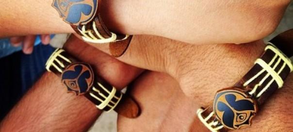 Un bracelet connecté pour devenir ami lors des événements