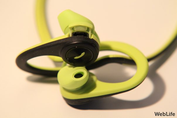 Plantronics BackBeat FIT : Port USB de recharge