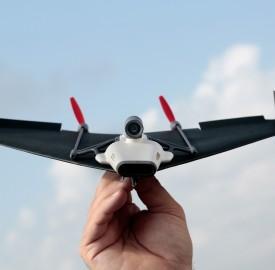 PowerUp Toys : Votre avion en papier FPV