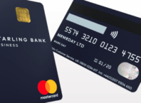 Starling Bank : Carte de paiement en portrait