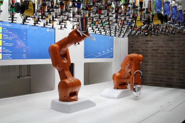 Bionic Bar Strasbourg - Robot à 2 bras