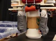 Robot de recyclage avec tri des déchets